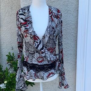 ☀️Sunny Leigh Floral Ruffle Wrap Blouse Size M